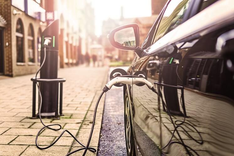 ev car charging on uk street