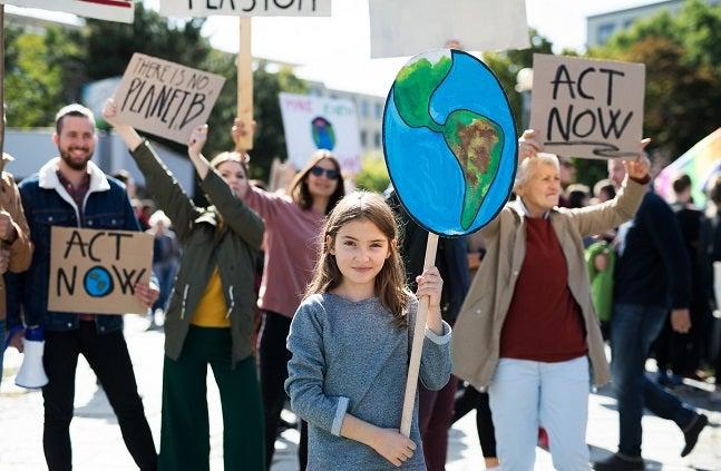 children protesting climate