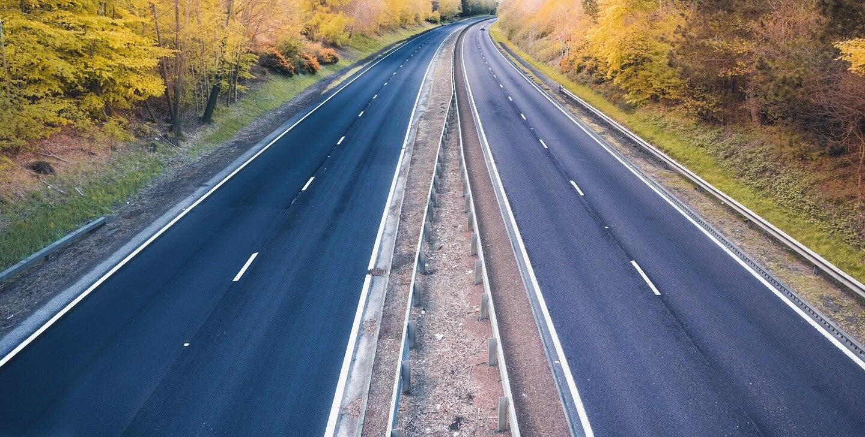 Quiet roads in UK lockdown