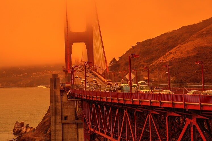 Golden gate bridge in California fires